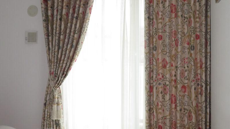 華やかなモリスカーテン~マリーイザベル