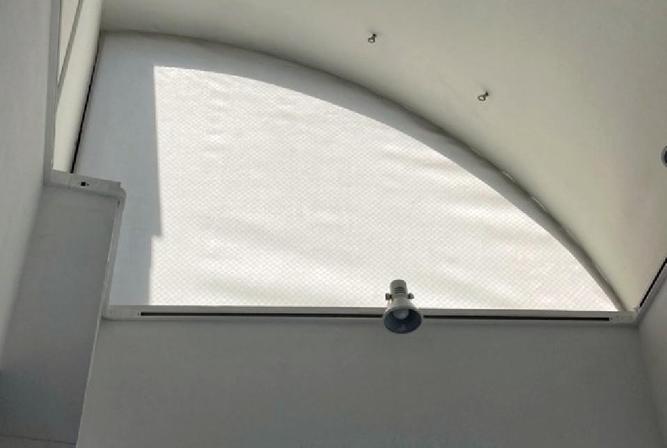 変形窓施工